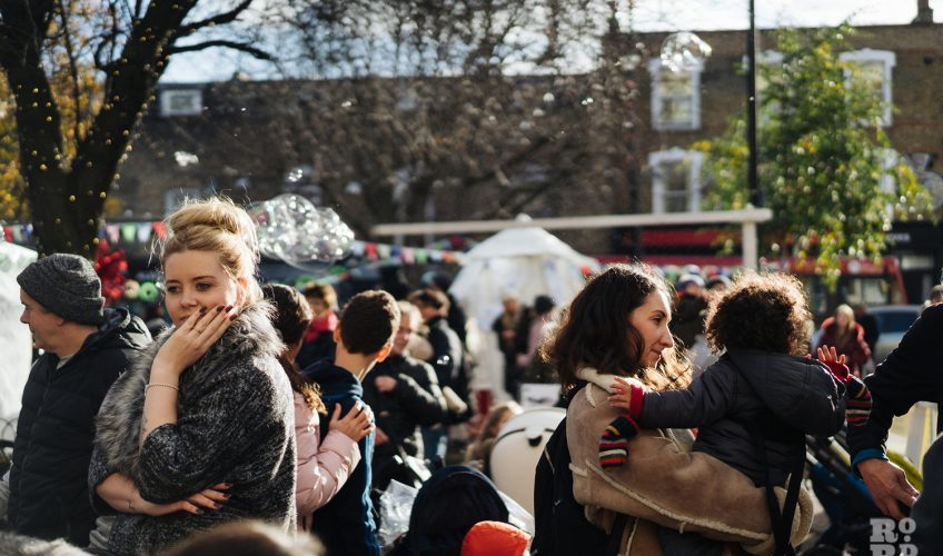Crowds at Roman Road Christmas Fair 2016 © Roman Koblov