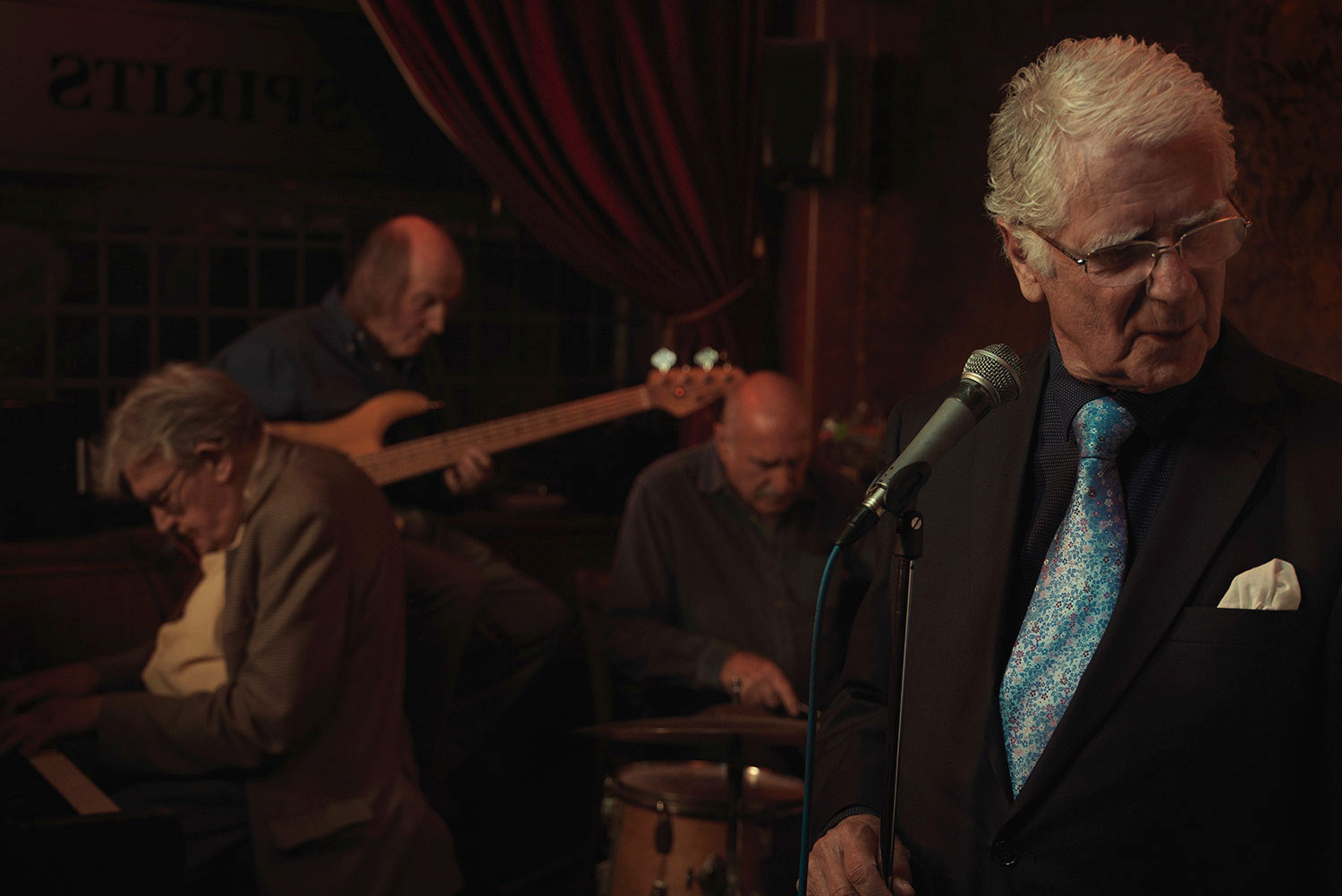 Old time band. Image from Last of the Old Crooners, Palm Tree pub by Tom Oldham