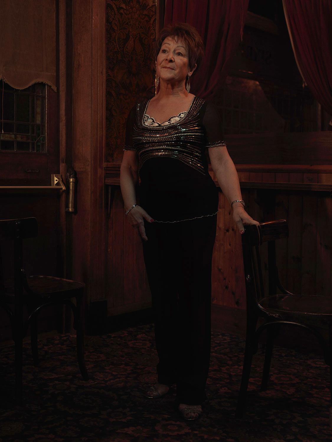 Female singer, dress, pub. Image from Last of the Old Crooners, Palm Tree pub by Tom Oldham