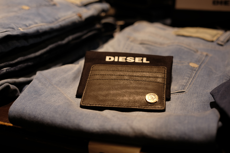 wallet and jeans at rockafella roman road
