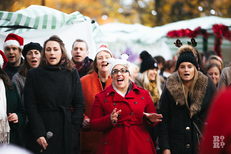Big Sing Choir Roman Road Christmas Fair 2016 © Roman Koblov
