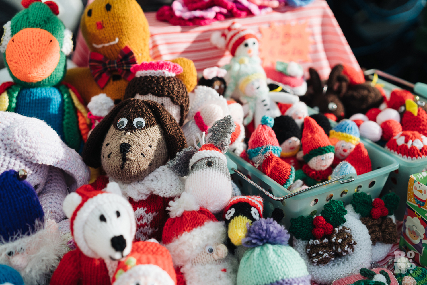 Knitted toys and animals at Roman Road Christmas Fair 2016 © Roman Koblov