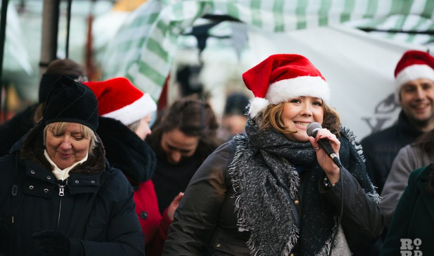 Carol singers at Roman Road Christmas Fair 2016 © Roman Koblov