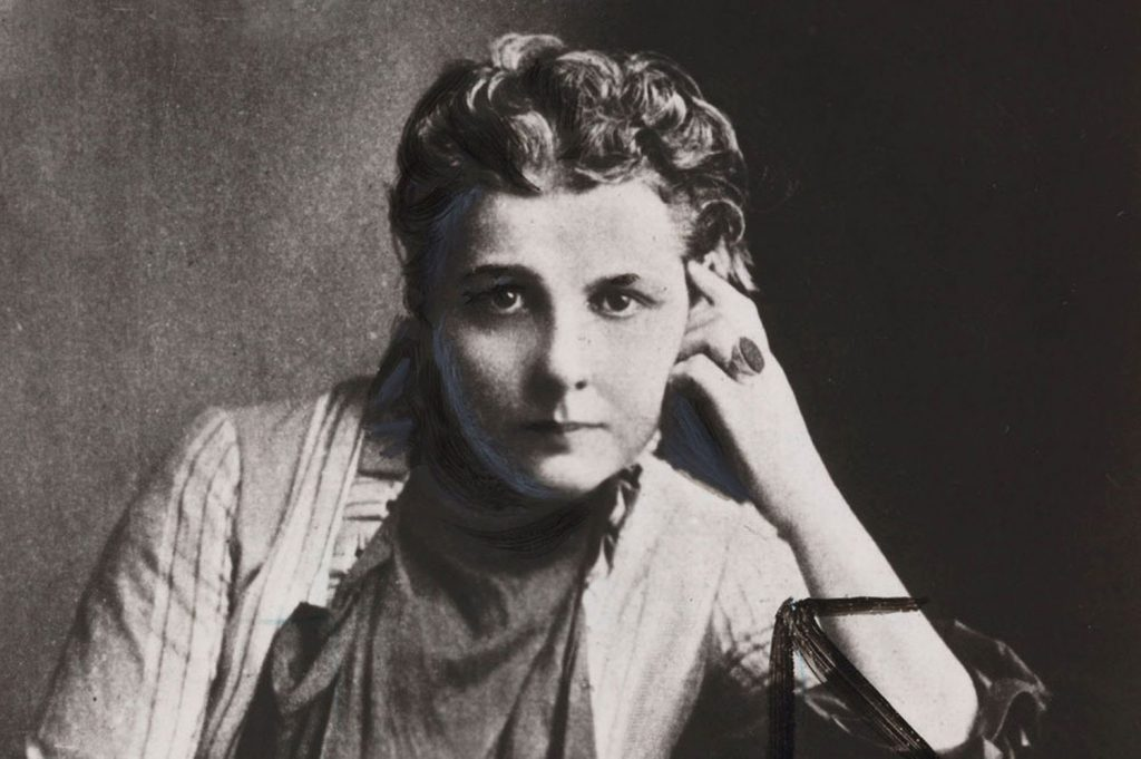 Annie Besant portraint in black and white. Sitting.