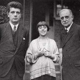 Minnie Lansbury with George Lansbury.