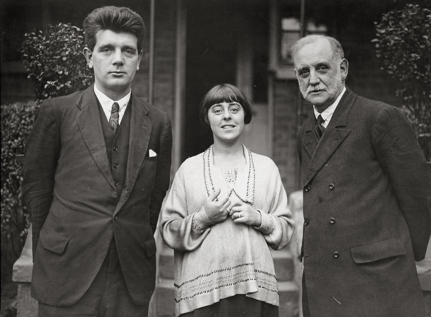 Minnie Lansbury with George Lansbury and Edgar Lansbury.