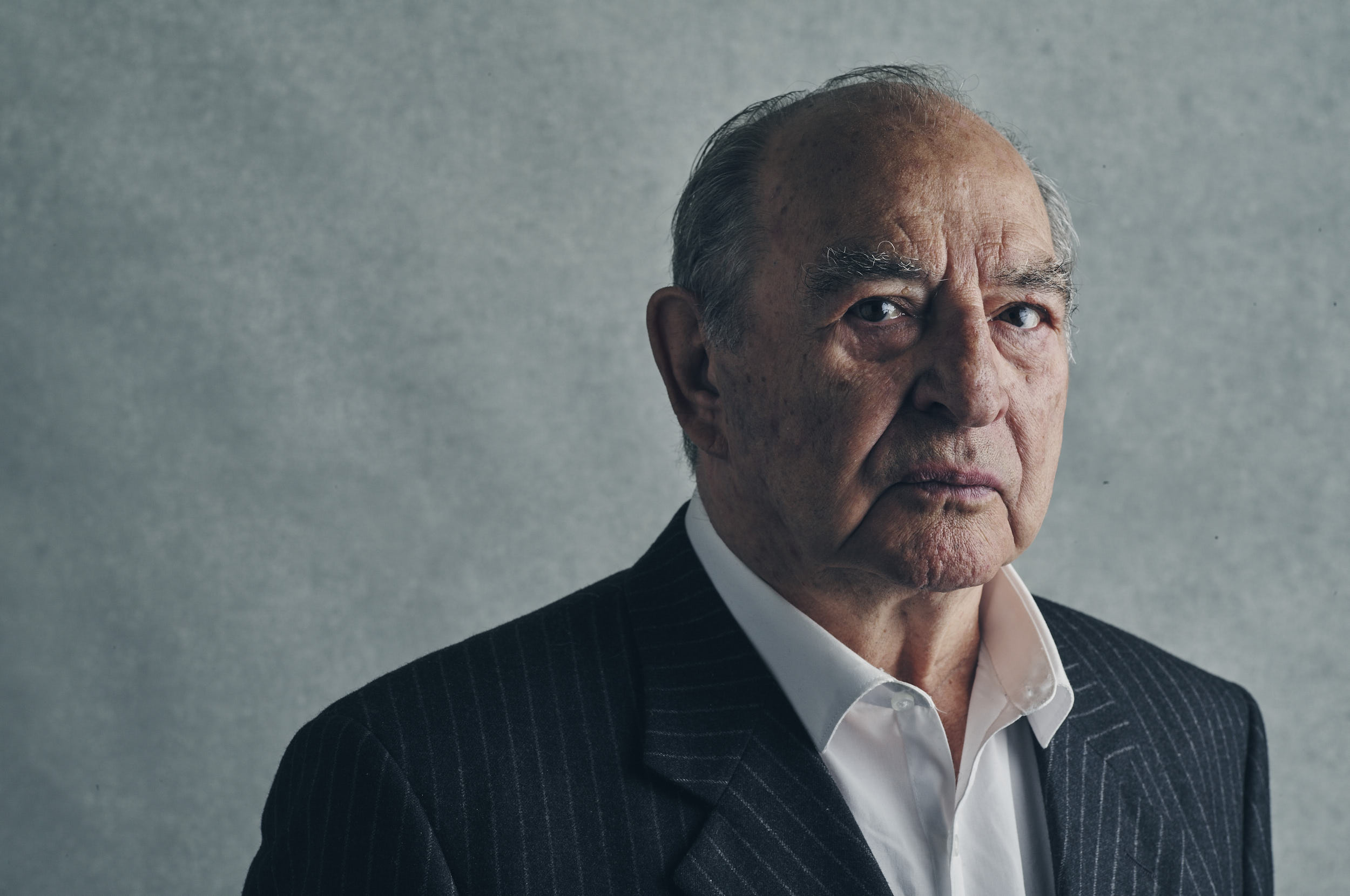 Head and Shoulder shot off famous East End gangster, Freddie Foreman