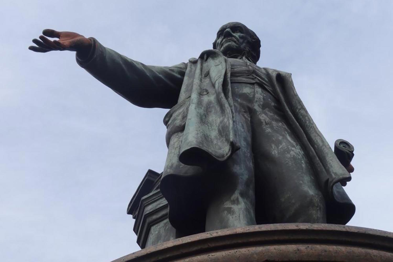 Gladstone mile end statue