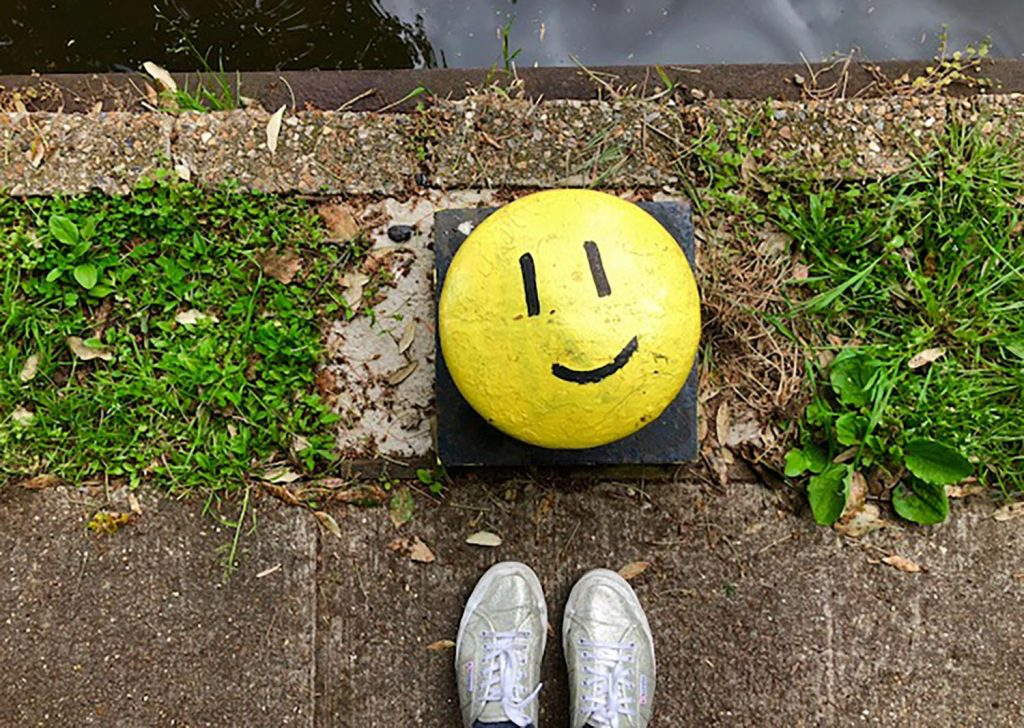 A buoy by the Regents Canal