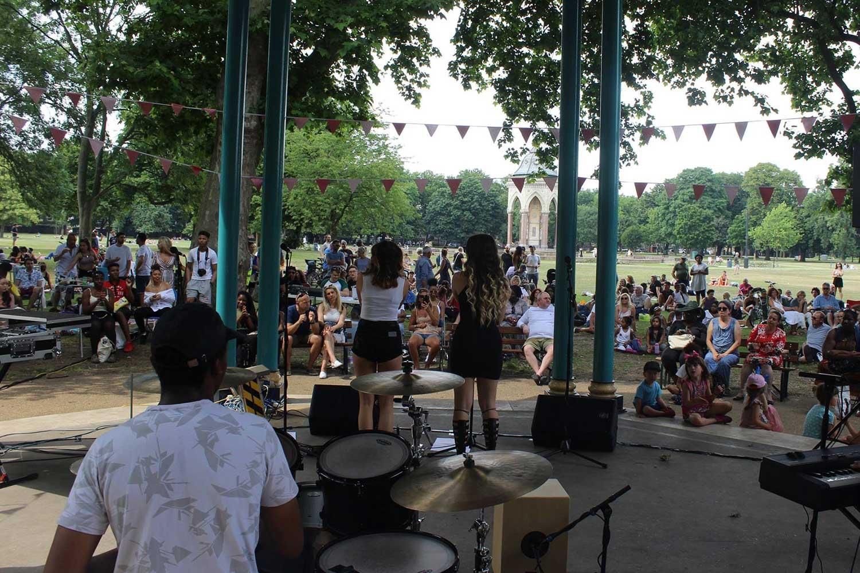 Ukelele ska comedy concert victoria park bandstand