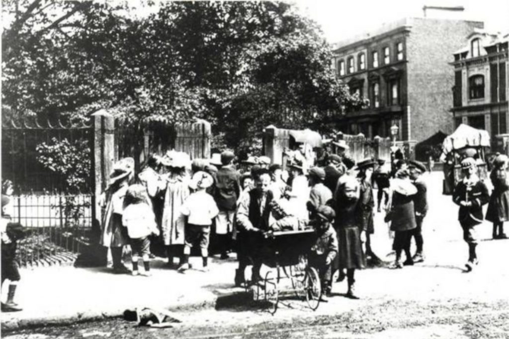 Victoria Park entrance in 1893