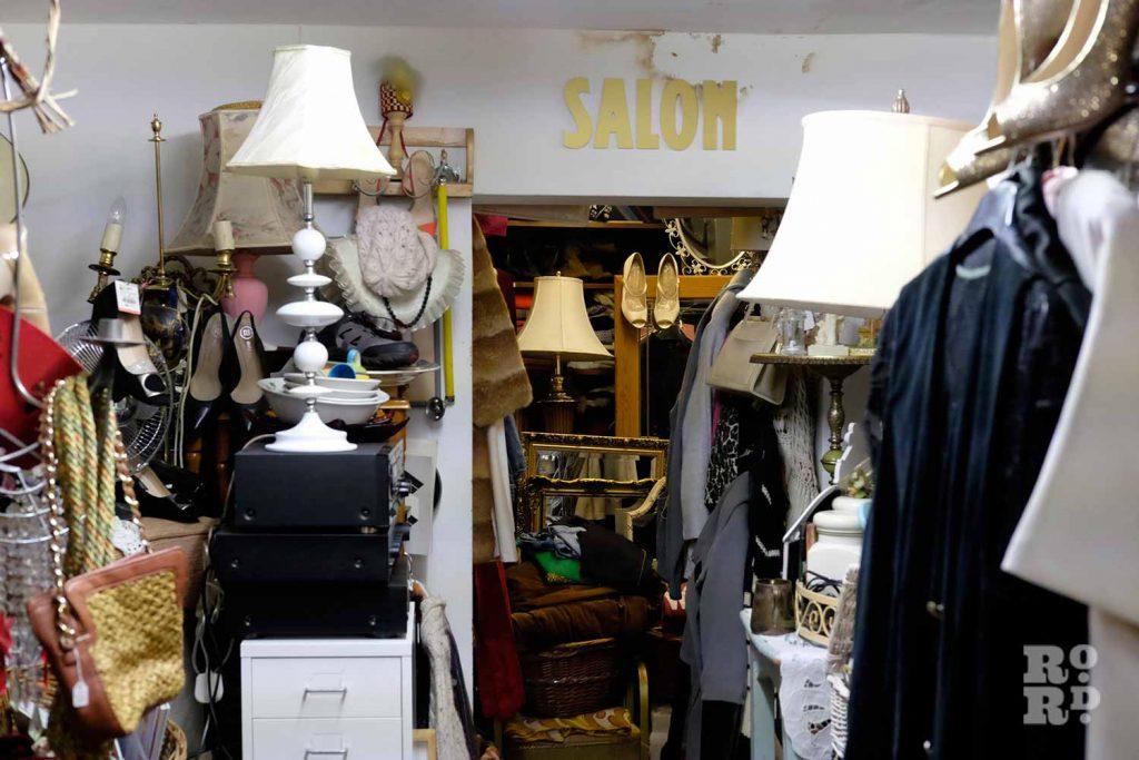 Gina's Closet interior