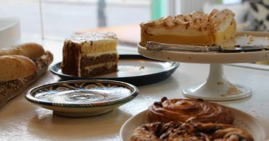 Cakes on the counter at Targa Green Cafe