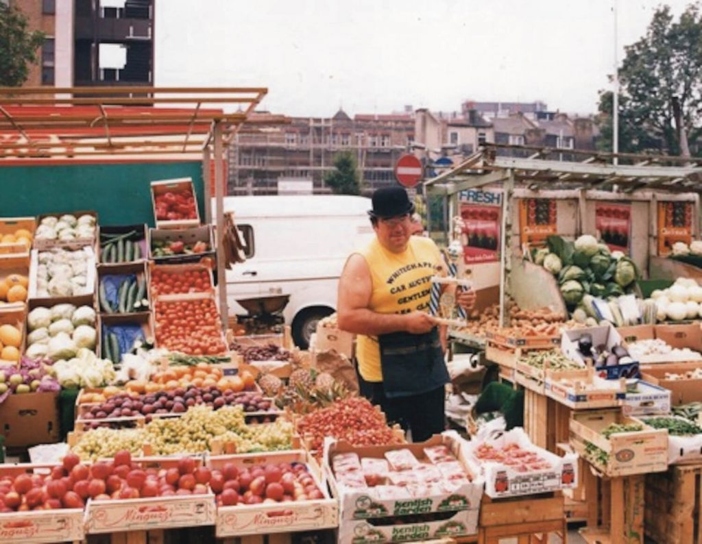 Les Clayden at his market stall