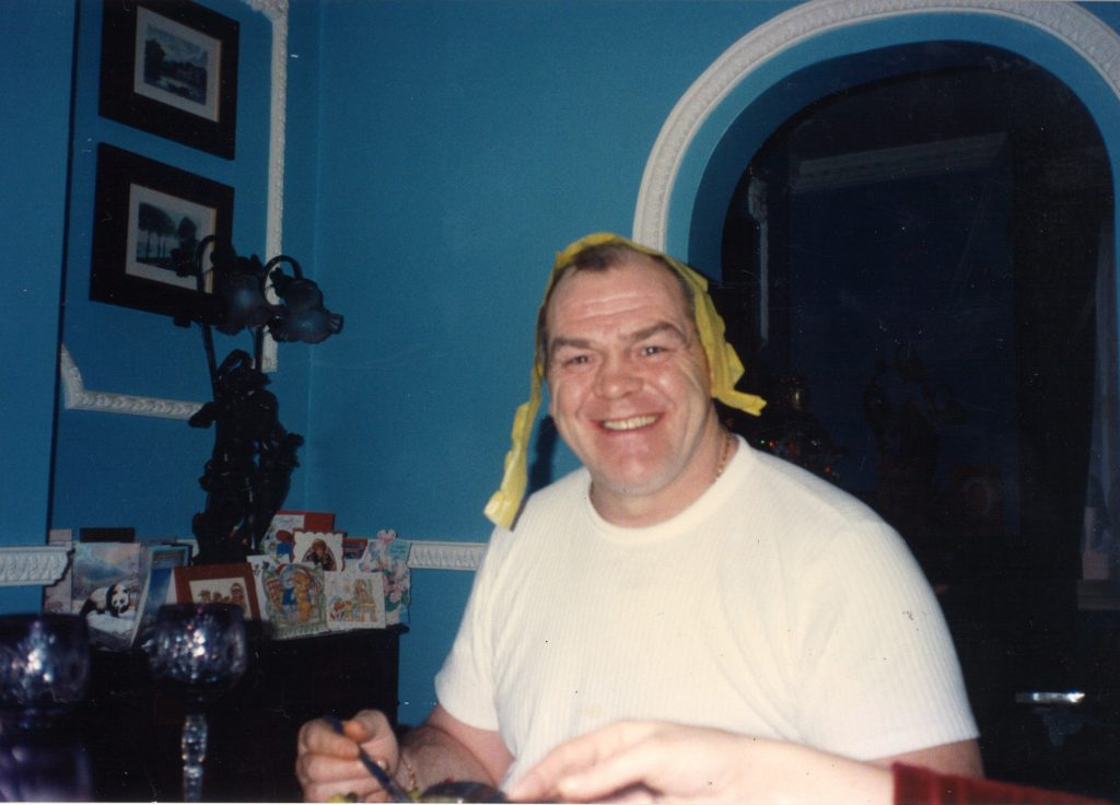 Lenny McLean at home on Strahan Road My dad the Guv'nor book review 4831_001