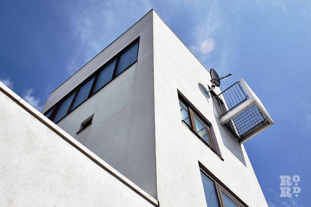 Square balcony detail, Donnybrook Quarter, Bow, East London (photos by Yev Kazannik)