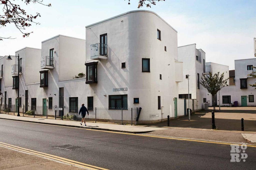 Detached housing, Donnybrook Quarter, Bow, East London (photos by Yev Kazannik)