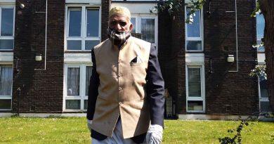 Dabirul Choudhury, the 100 year old Bow resident, walking to raise funds during Ramadan