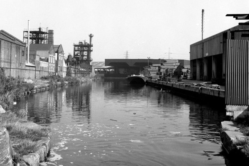 Industrial landscapes on the Hertford Union Canal, 1974