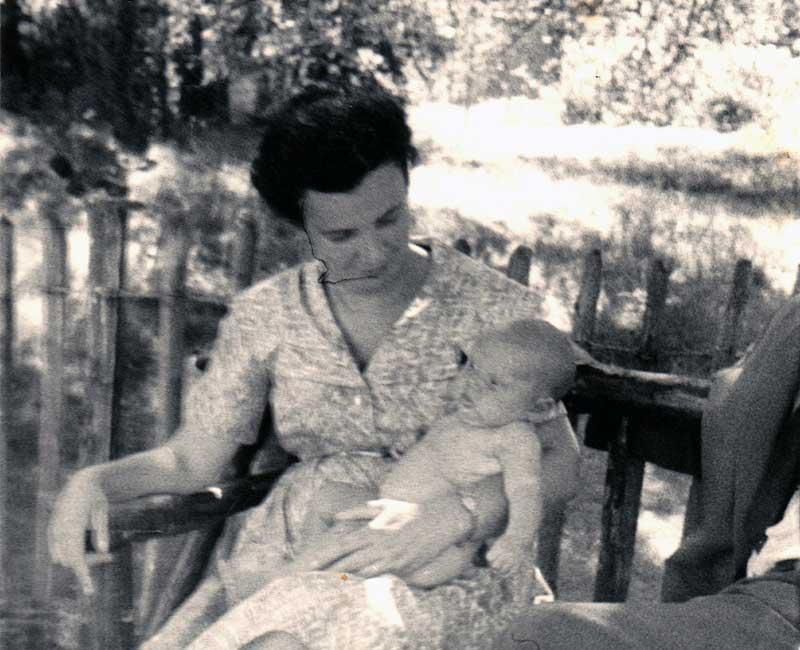 Susie Powlesland with baby Helen