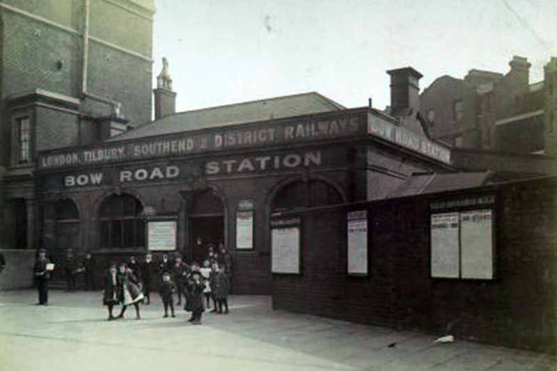 Archive photo of Bow Road tube station, 1908