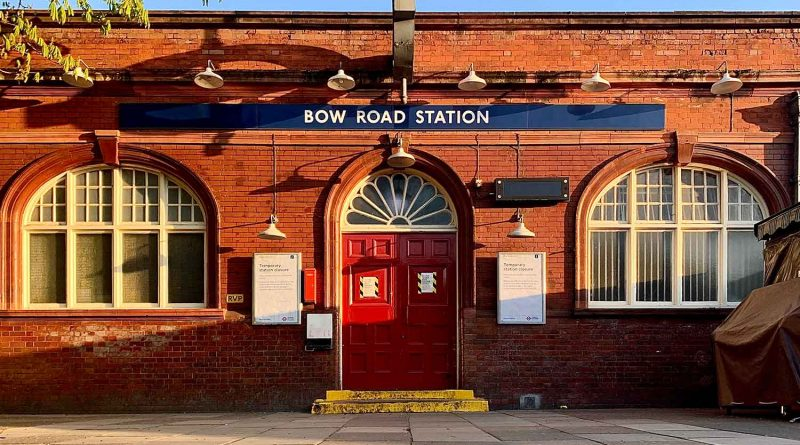 Closure due to lockdown, Bow Road tube station, 2020