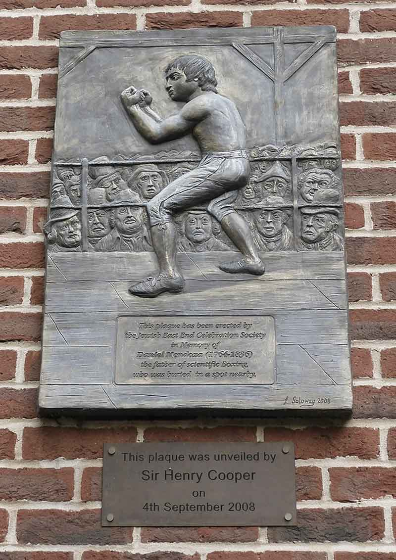 Plaque commemorating Daniel Mendoza, at Queen Mary University, unveiled by Henry Cooper in 2008