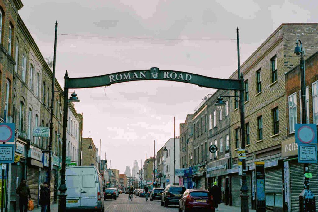 Roman Road Market arch Neighbourly lockdown photo essay©Jamie Sinclair