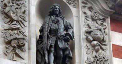 Statue of Sir John Cass, Jewry Street, Aldgate