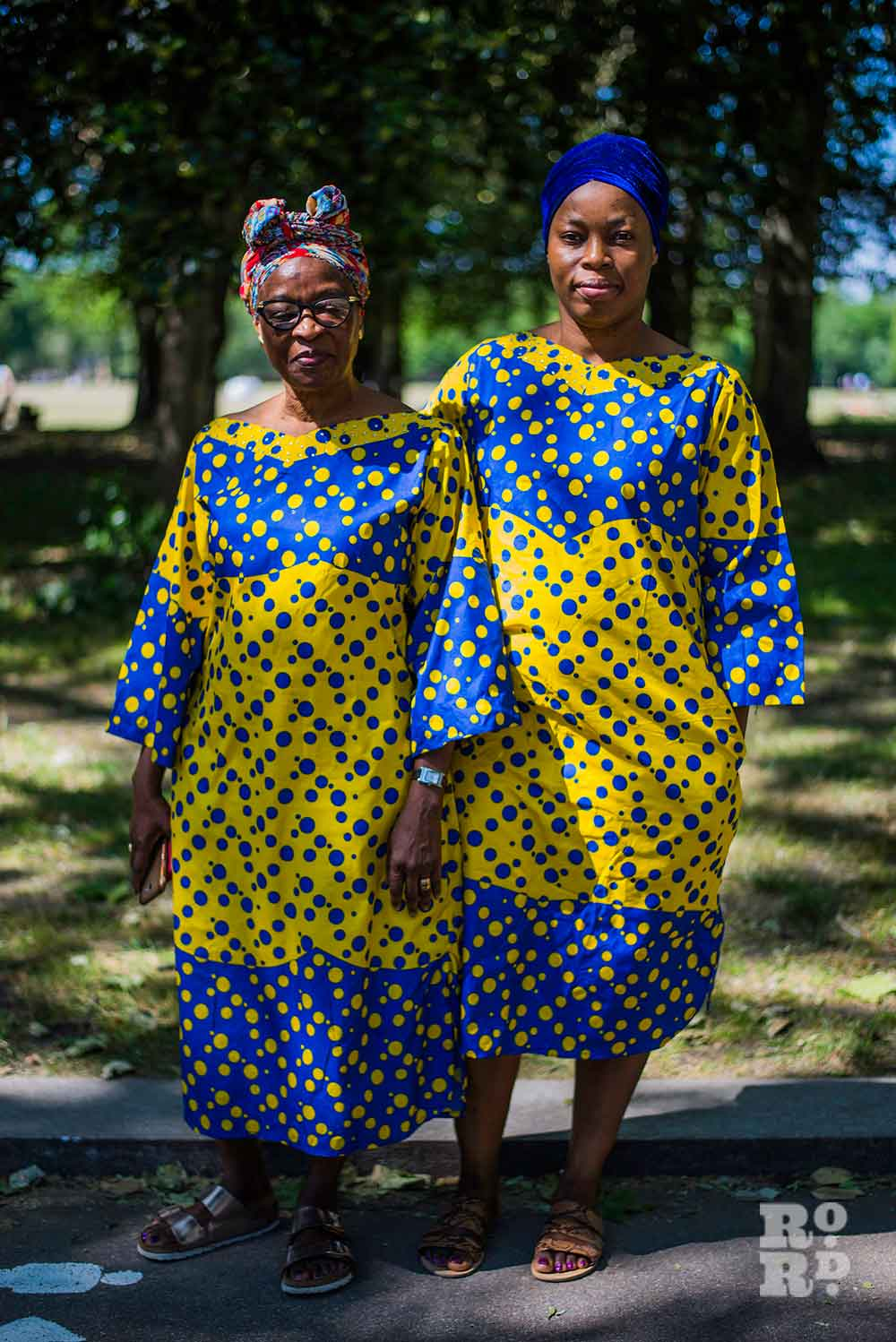 Ole and her mum Kim in Victoria Park wearing matching dresses environmental portraits by Matt Payne