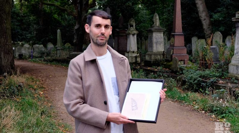Tim Boddy with his leaf artwork designed during lockdown