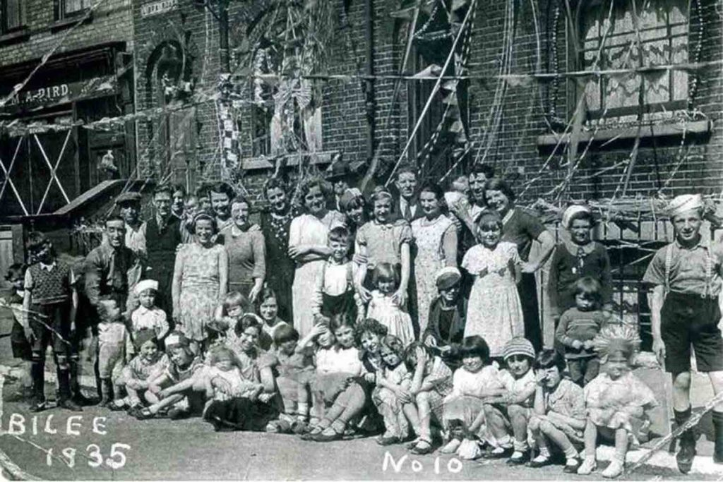 Street party in Libra Road, 1935