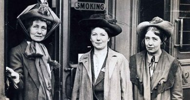 Sylvia Pankurst with Emmeline and Christabel, 1911, before the family feud that led to the foundation of the East London Federation of Suffragettes.